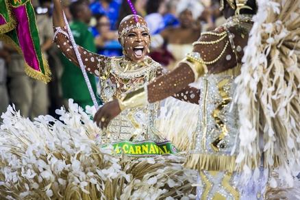 desfile campeãs carnaval mangueira